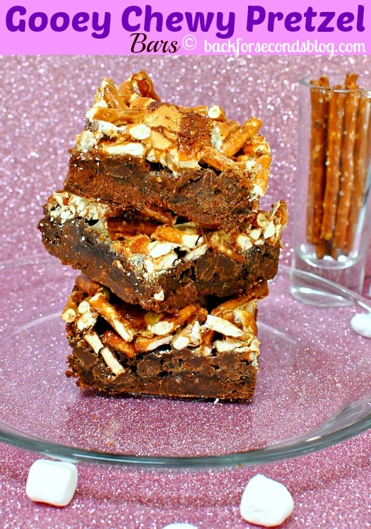 Gooey Chewy Pretzel Bars https://backforseconds.com #sweetandsalty #cakemix #brownierecipe