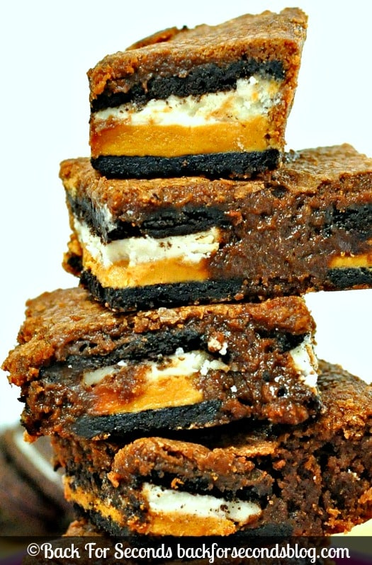 Double Stuffed Brownies @Backforseconds   #brownies #oreos #peanutbutter #chocolate #dessert