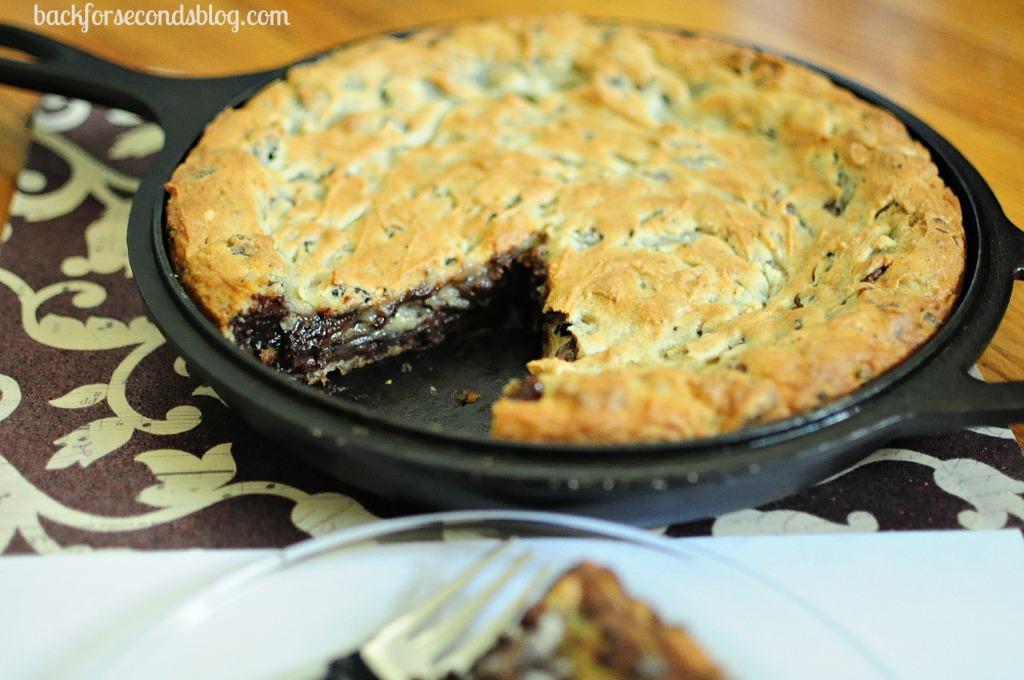 Nutella Oreo Cheesecake Deep Dish Cookie Pie - The ULTIMATE dessert! @BackForSeconds  #nutella #oreo #cheesecake #pie
