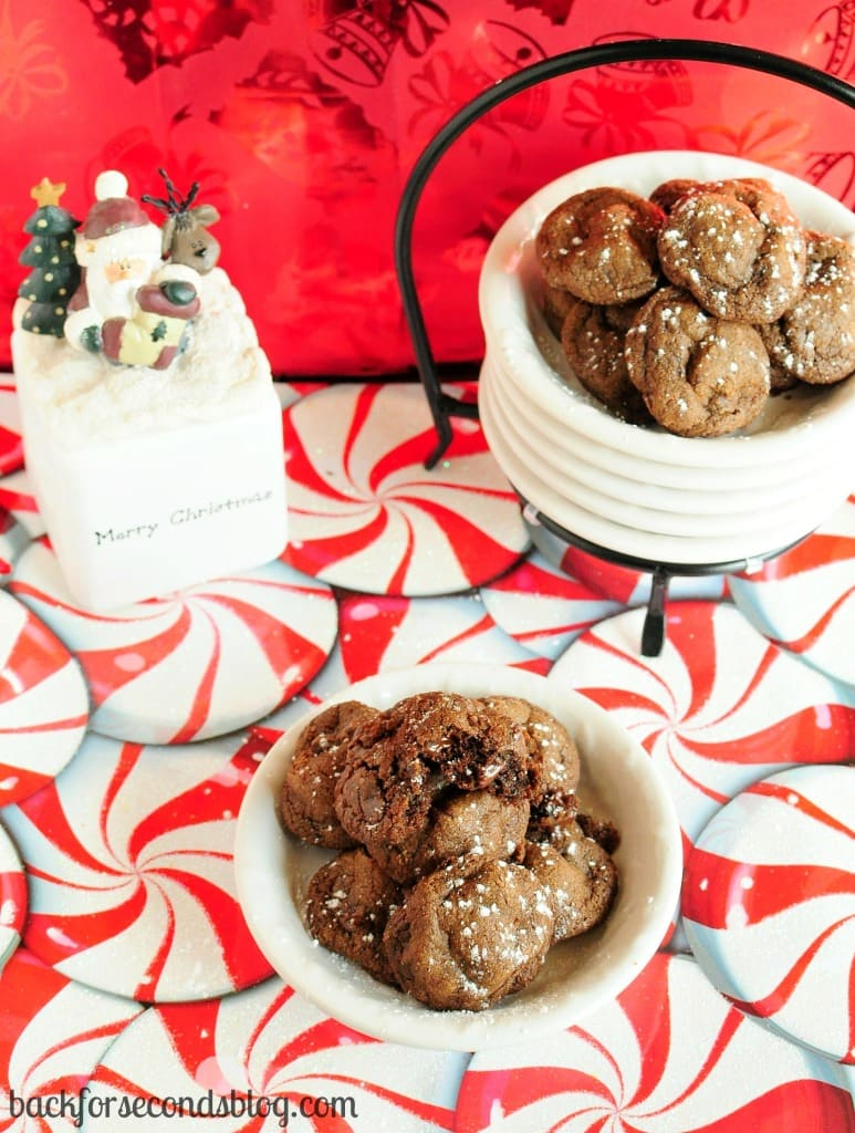 Bite Sized Double Chocolate Cookies by Back For Seconds  backforsecondsblog.com  #christmas #cookies #chocolate #mini