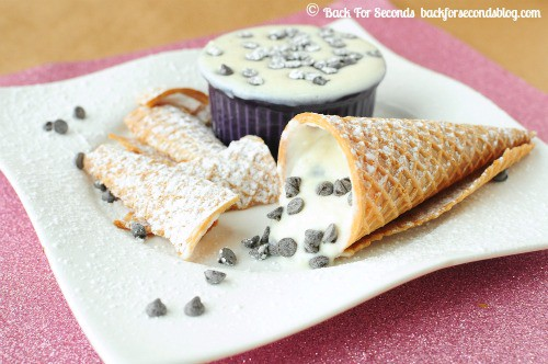 Skinny Cannoli Dip @BackForSeconds #healthy #dip #snack #nobake backforseconds.com