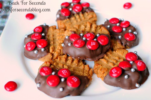 3 Ingredient Chewy Peanut Butter Cookies **Gluten Free** @BackForSeconds #easy #glutenfree #m&m's #glutenfreecookies