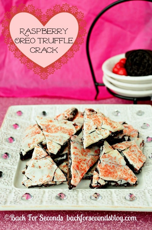 Raspberry Oreo Truffle Crack @BackForSeconds  #ValentinesDay #candy #oreos #nobake  https://backforseconds.com