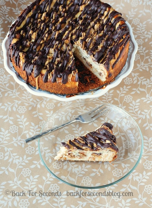 Peanut Butter Cup Cheesecake @BackForSeconds #reeses #peanutbuttercups #cheesecake #peanutbutter #ganache #chocolate #dessert #recipe