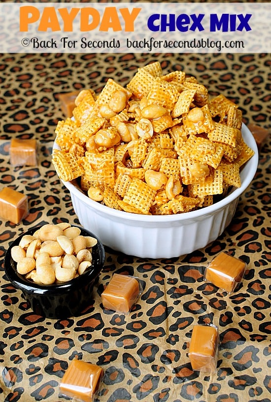 Payday Chex Mix - 5 MINUTES and 4 INGREDIENTS @Backforseconds http://backforsecondsblog.com  #payday #saltyandsweet #chexmix