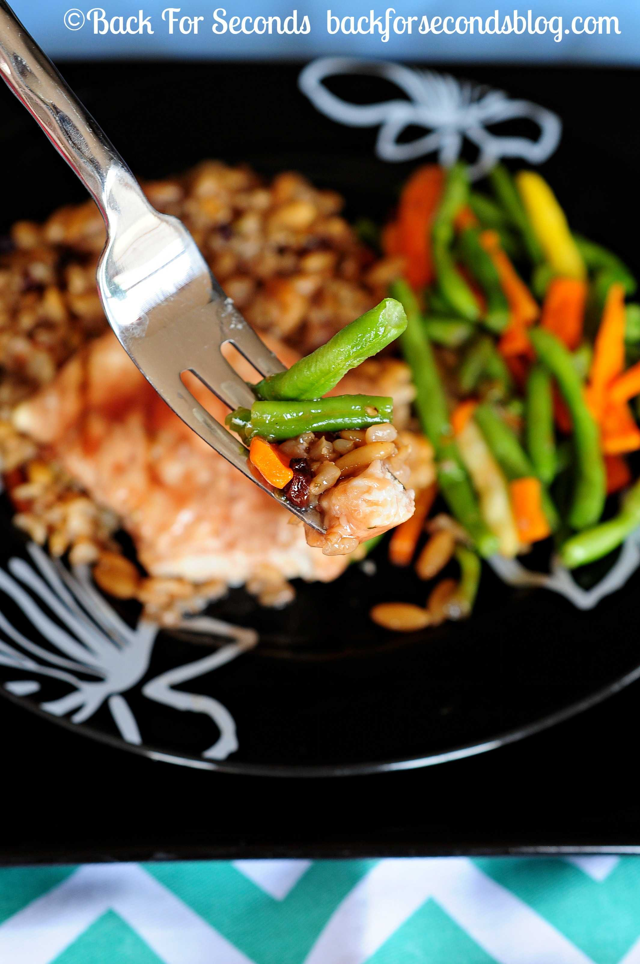 Healthy Pomegranate Chicken - great for busy nights! http://backforsecondsblog.com  #EatHonestly #pomegranate #chicken #shop