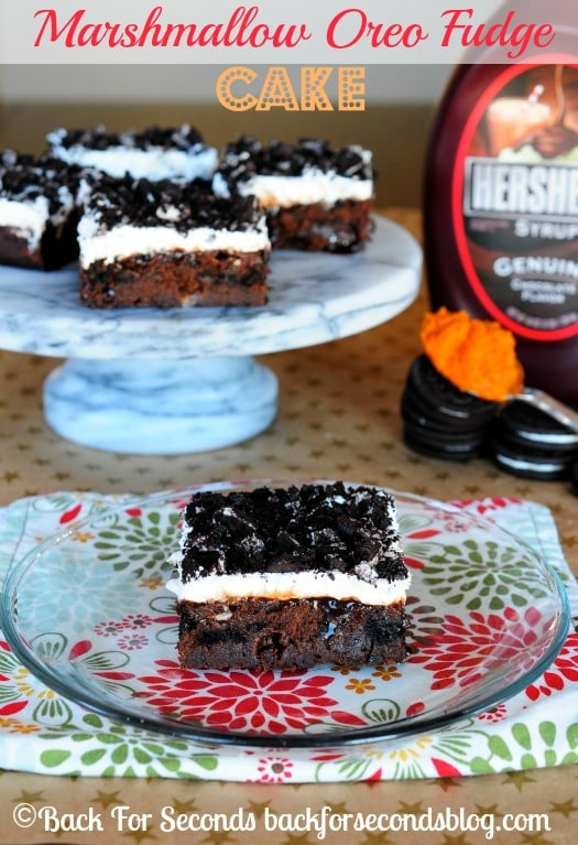 Marshmallow Oreo Fudge Cake - Rich, fudgy, gooey, and perfect for holidays! @Backforseconds  #pokecake #chocolate #dessert #holidaydessert #pumpkindessert