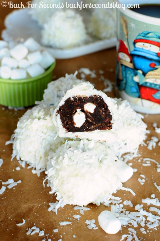 Brownie Snowballs - A fun, festive treat to add to your holiday baking list! https://backforseconds.com #christmasdessert #snowball #brownierecipe #shop #KraftEssentials