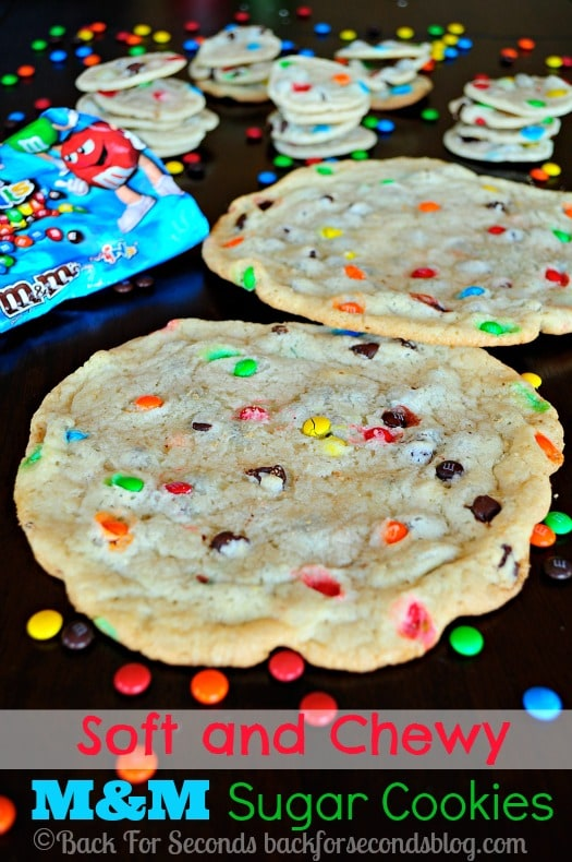 Soft and Chewy M&M Sugar Cookies - so addicting! Taste like they came from a bakery! http://backforseconds.com #chewysugarcookies #m&mcookies #christmascookies