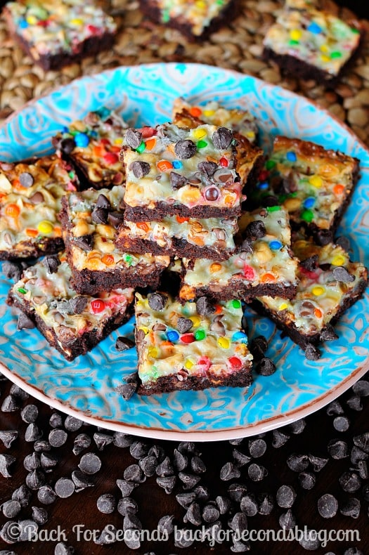 Sweet and Salty Brownie Magic Bars! Super easy to make and crazy delicious! #brownies #chocolate #eaasydessert #NewFavorites #shop