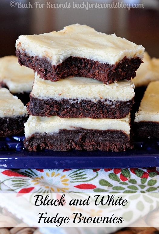 How to Make White Chocolate and Chocolate  Brownies - MUST MAKE for all brownie lovers!! #brownierecipe #dessert #chocolate