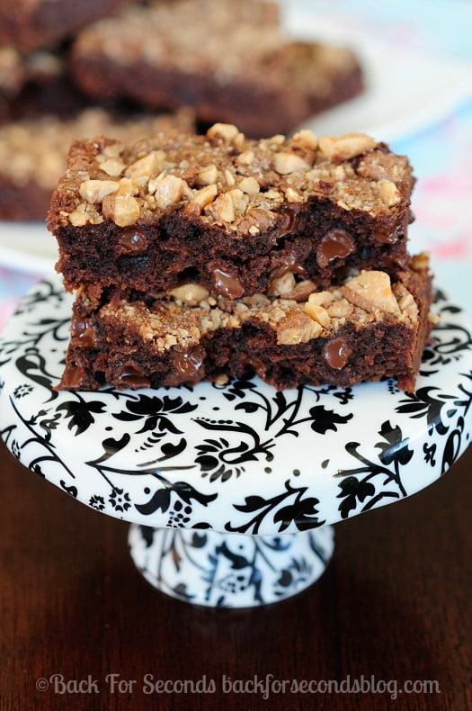 Double Chocolate Toffee Cookie Bars - so fudgy with a crunch from the toffee. Perfect!! #dessert #chocolate #brownies