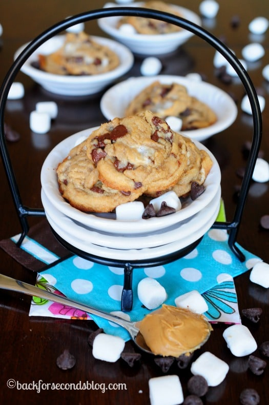 Soft and Chewy Fluffernutter Cookies - These are the BEST!! #cookies #dessert #chocolate