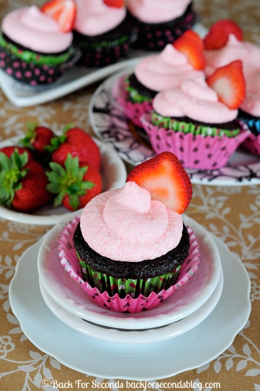 Chocolate Cupcakes with an EXCELLENT Strawberry Frosting!! #strawberry #strawberryfrosting #dessert