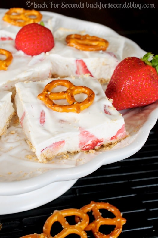 No Bake Strawberry Pretzel Dessert - Cool, creamy, sweet, and salty goodness! #strawberries #nobake #dessert