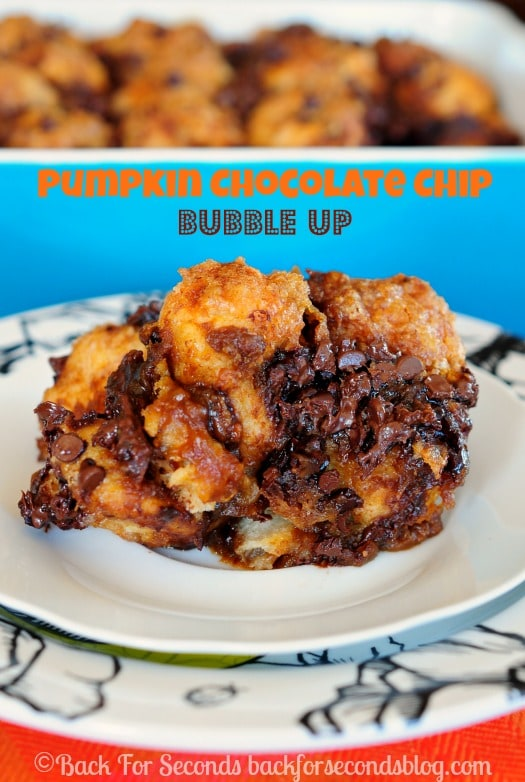 Pumpkin Chocolate Chip Bubble Up - like fall itself bked in a pan! #pumpkinrecipe #bubleup #falldessert