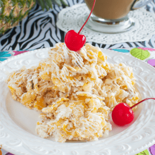 No-Bake Pineapple Coconut Cookies and Vanilla Iced Café